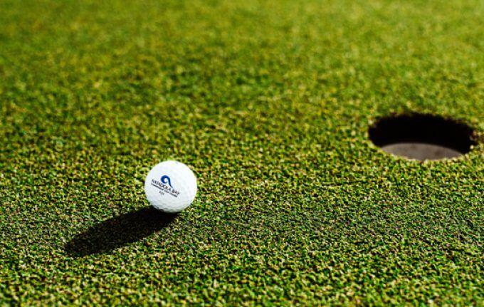 18 – Hole Golf Course